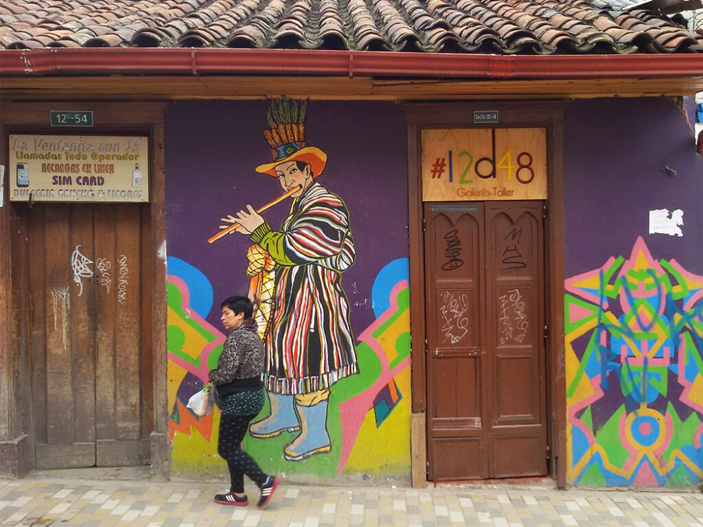 bye:myself - Renata Green - byemyselftravels: Guide to Bogota. Mural Graffiti Streetart