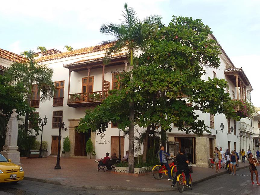 Plaza de los Estudiantes in front of the elegant restaurant Alma.
