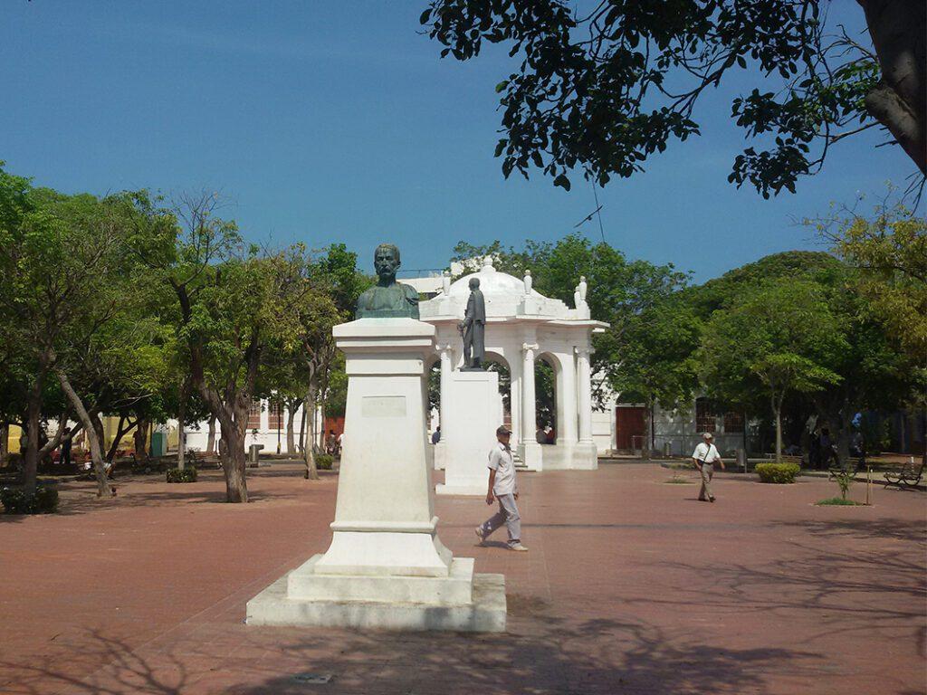 Parque de Los Novios in Santa Marta