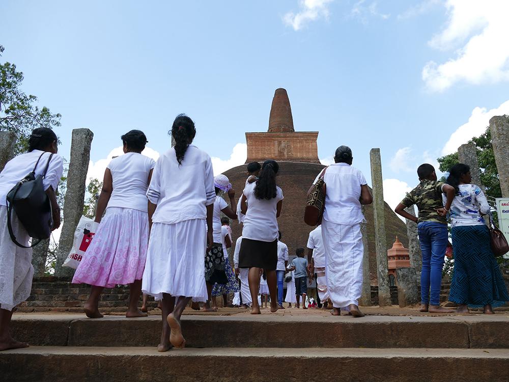 bye:myself - Renata Green - byemyselftravels: Anuradhapure Sri Lanka