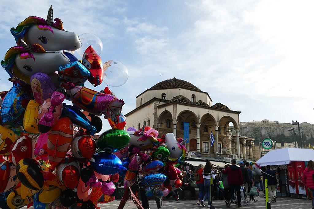 Balloon seller in front of the Tzistarakis Mosque
