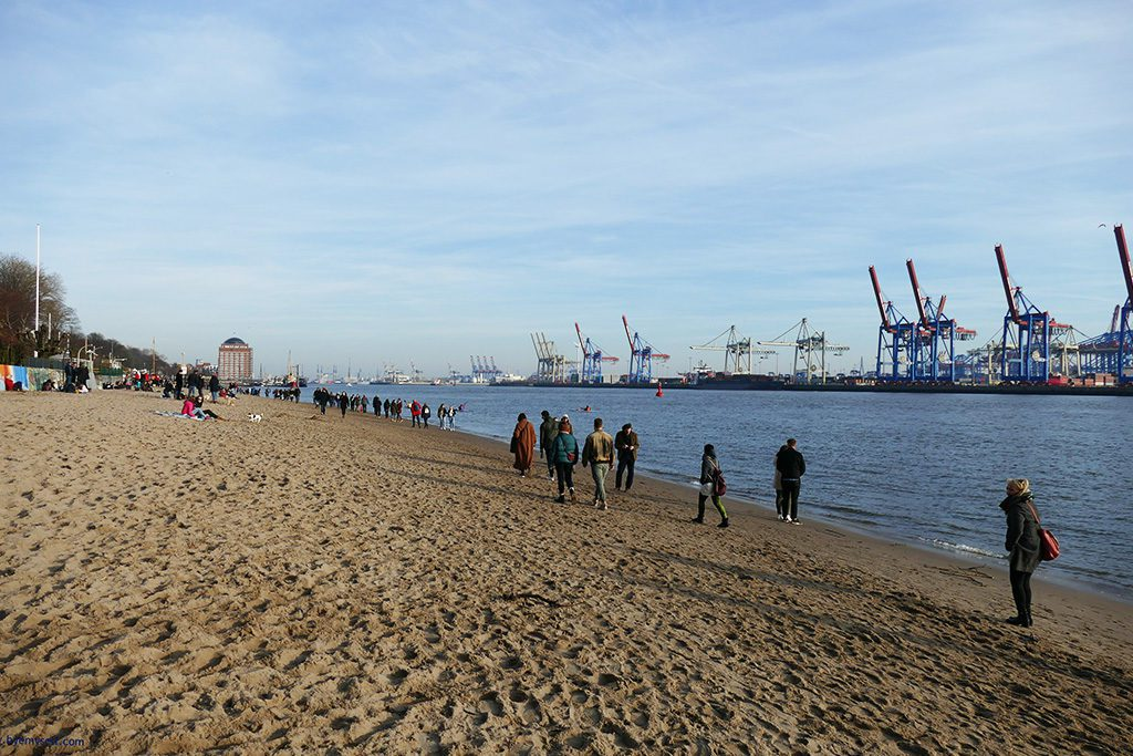 Beach along the river Elbe in Hamburg