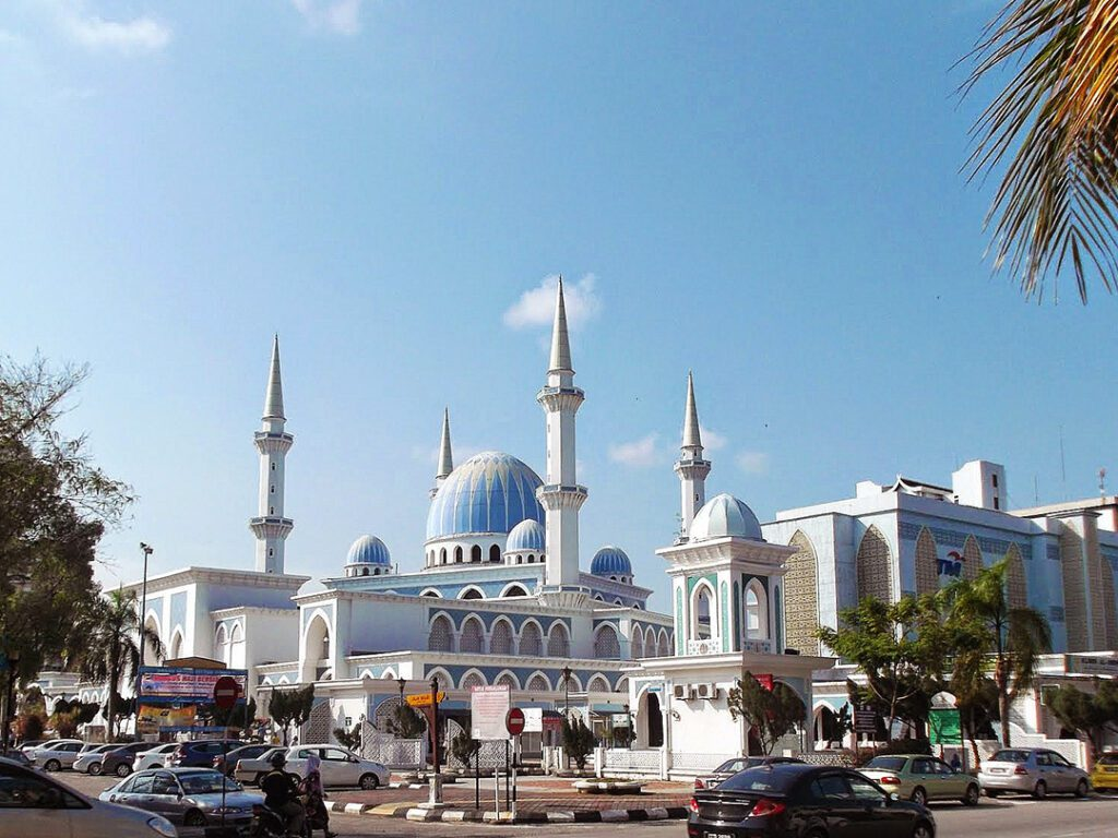 Sultan Ahmad Shah State Mosque, the state mosque of Pahang in Kuantan