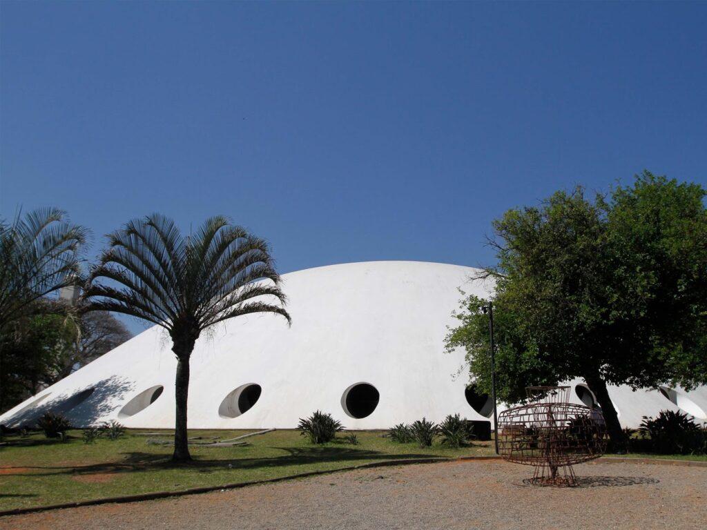 Parque Ibirapuera Oca_Foto_JoseCordeiro, trata-se de vista da fachada da Oca e o crédito. Foto: Jose Cordeiro/SPTuris.