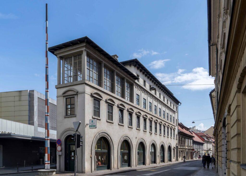 "Peglezen, Ljubljana's ""Flatiron-House"""