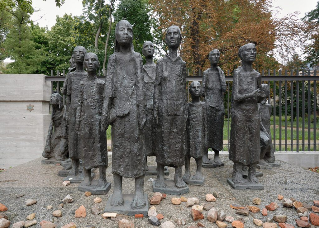 Sculpture Jewish Victims of Fascism by Will Lammert. These 13 figures are located on the grounds of the destroyed retirement home.