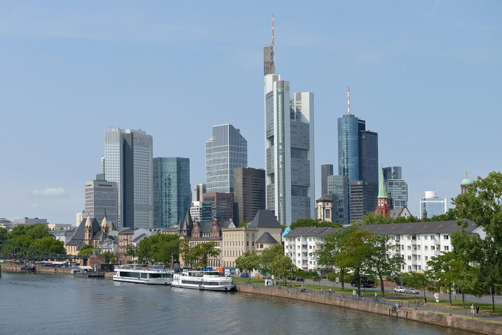 Frankfurt Skyline - bye:myself