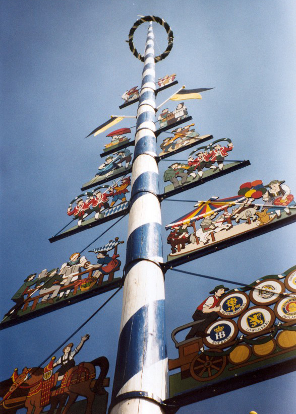 Maibaum on the Viktualienmarkt, a market to be visited when for 24 hours in Munich
