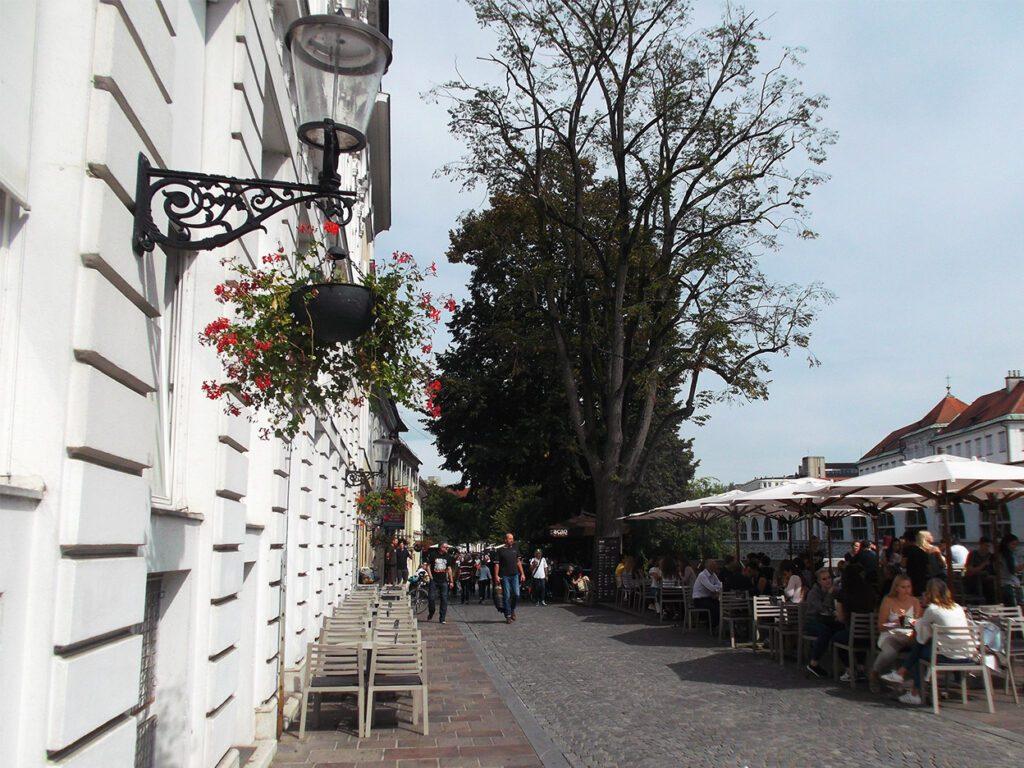 Ljubljana Cankarjevo Nabreze