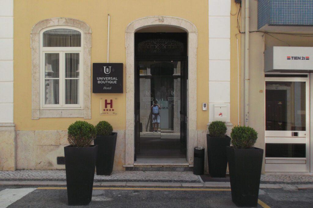 Entrance Universal Boutique Hotel