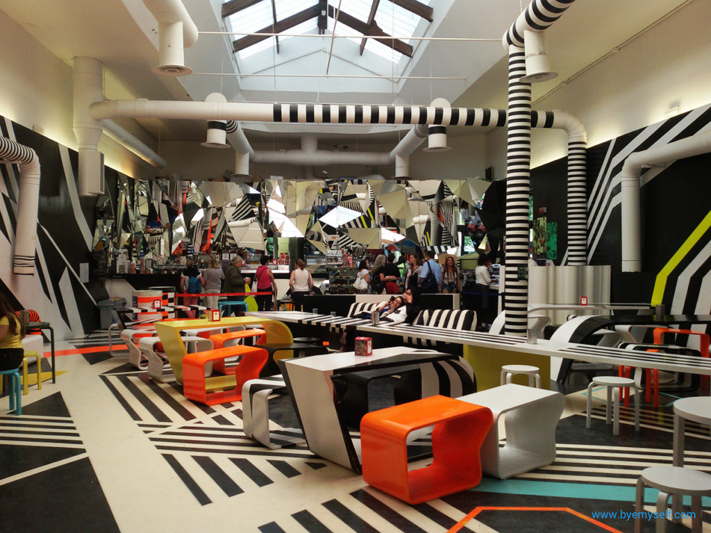 Tobias Rehberger Cafeteria in Venice