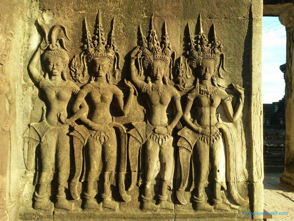 Dancers Angkor Wat