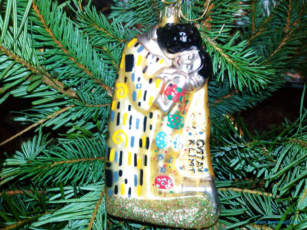 Christmas Ornament Klimt's Kiss. Bought on a Vienna tour by streetcar