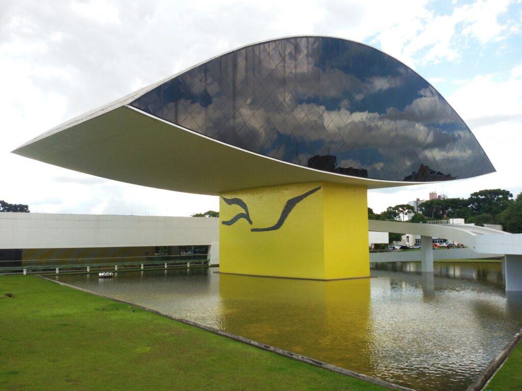 Curitiba - Museu Oscar Niemeyer: bye:myself - Renata Green - byemyselftravels