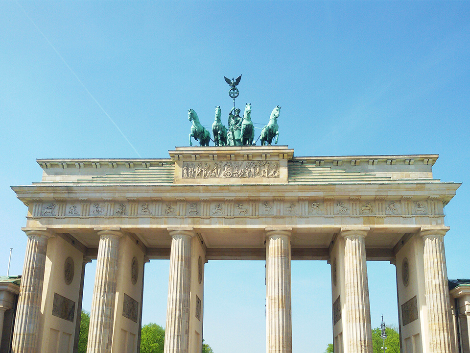 Brandenburger Tor - a must-see when on tour by bus 100, introduced in my guide to Berlin