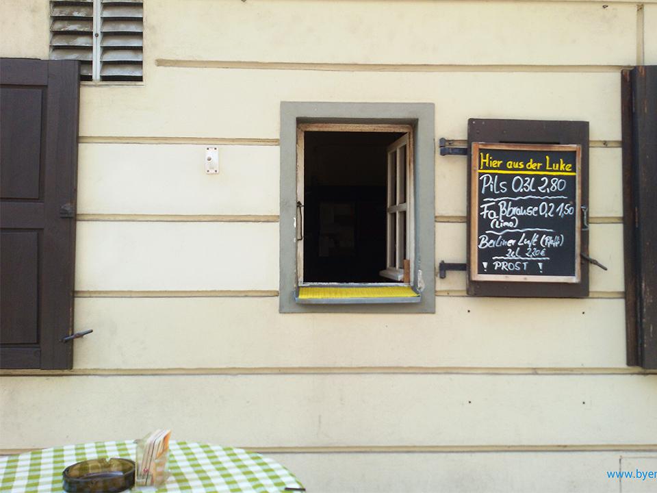 Berlin Nicolaiviertel Restaurant Zum Nussbaum