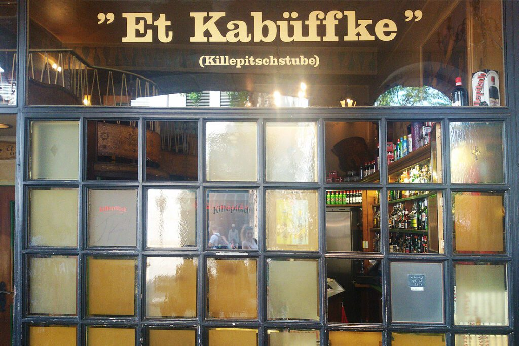 DUSSELDORF guided by locals to the Et Kabüffke bar in Düsseldorf