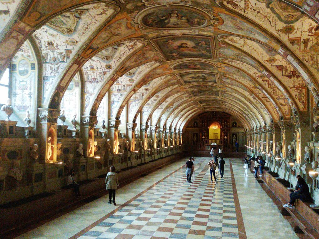 The Antiquarium, a large hall built from 1568 to 1571 in Renaissance style is home to the antique sculptures