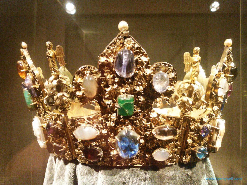 Emperor Henry II (approx. 1270) family jewels
