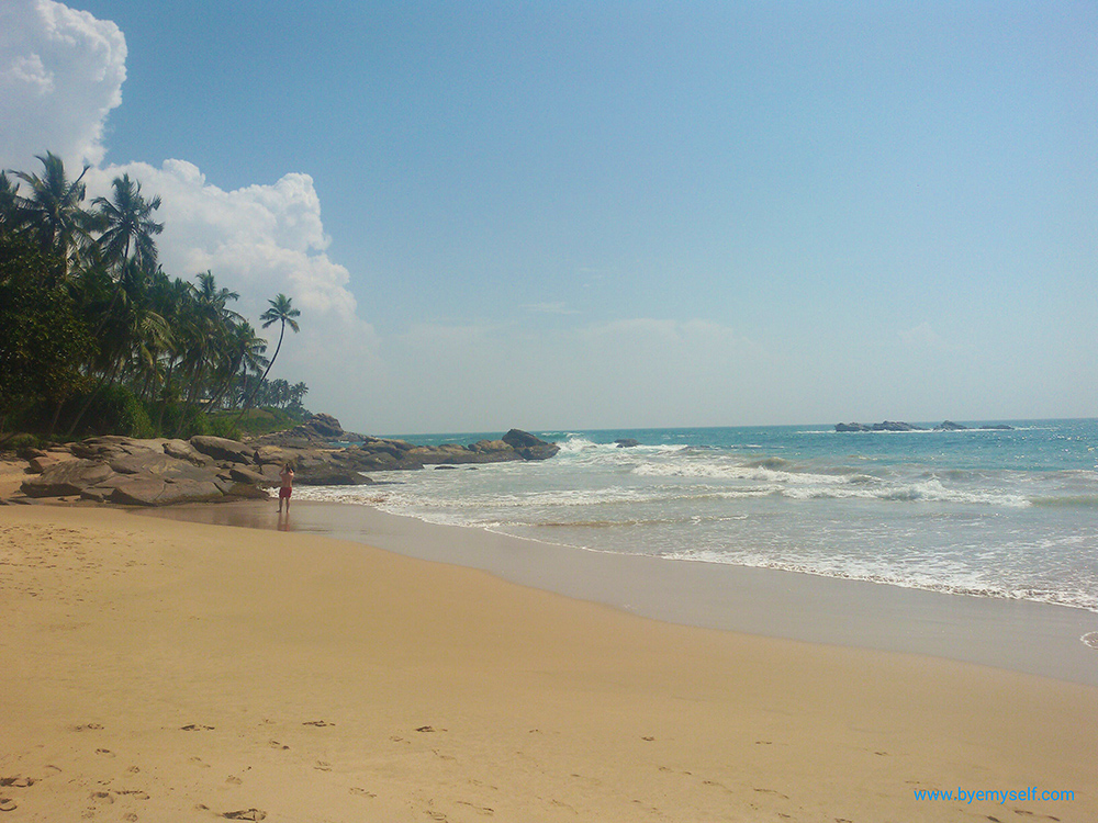 bye:myself - Renata Green - byemyselftravels: Tangalle Sri Lanka