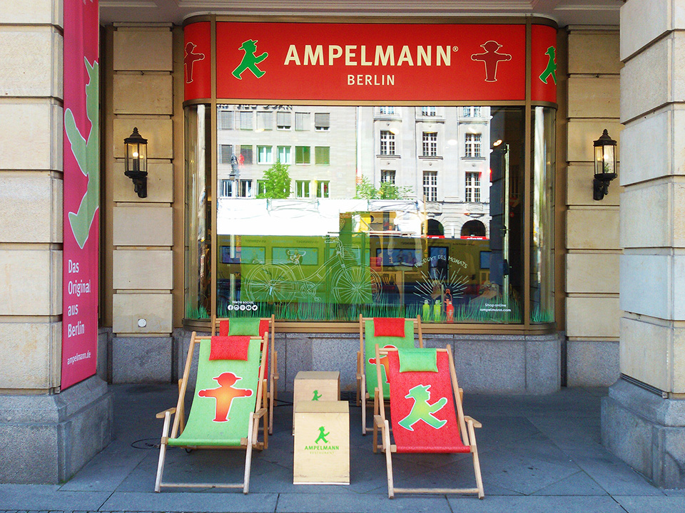 Ampelmann souvenir shop in Berlin, great place for shopping when on tour by bus 100, introduced in my guide to Berlin