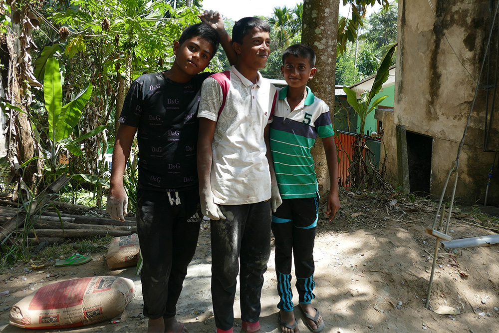 Three boys in Embekke - Sri Lanka - Asia