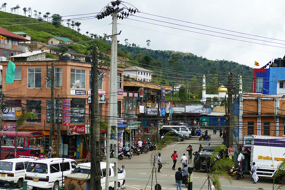The city center of Haputale.