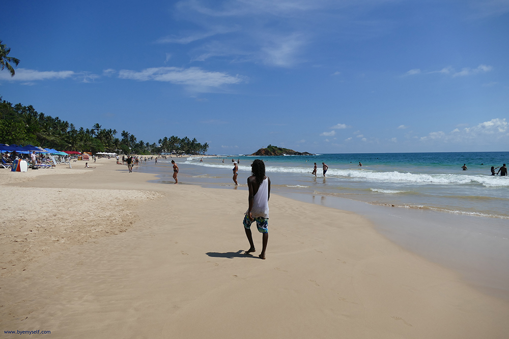 bye:myself - Renata Green - byemyselftravels: Mirissa Beach Sri Lanka