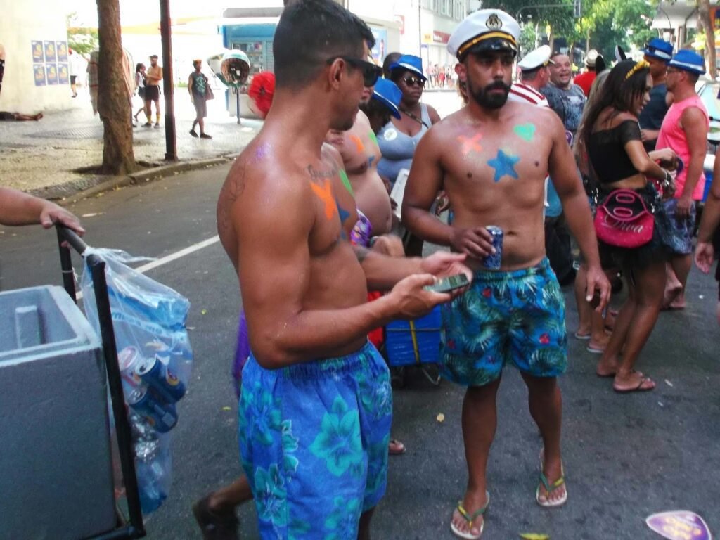 Carnival in Rio de Janeiro: bye:myself - Renata Green - byemyselftravels