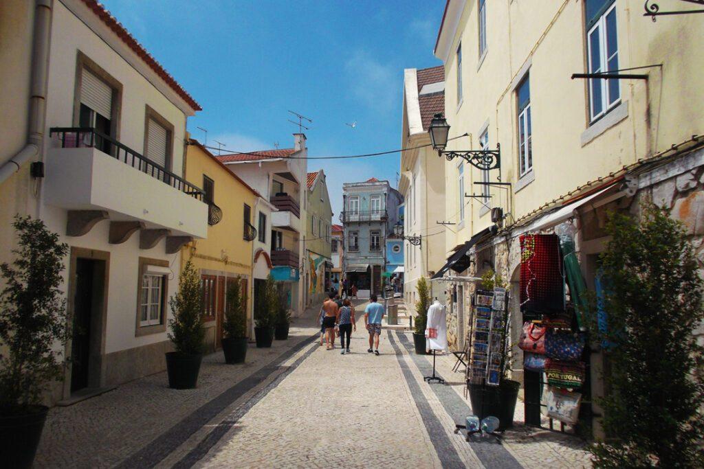 A pedestrian street in Cascais' town center.