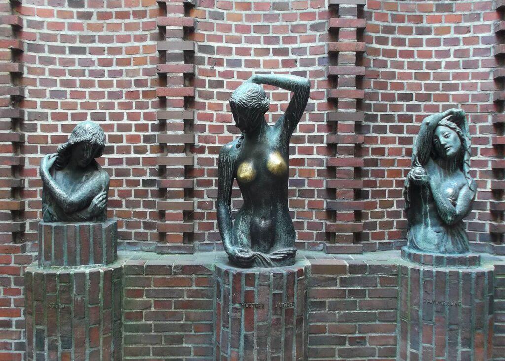 Statue by Bernhard Hoetger at Böttcherstraße in Bremen