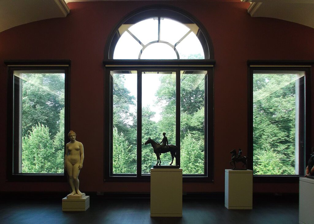 Sculptures at Bremen's art museum